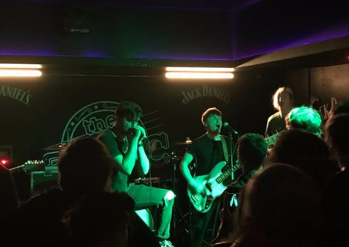 Gig Review: Woes + Campfires @ Glasgow Garage