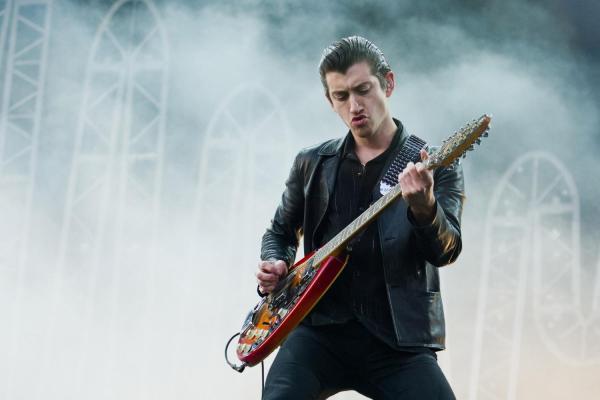 Arctic-Monkeys-08-TITP-2014-Sinead-Grainger-2048x1365.jpg